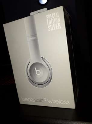 Beats Solo 2 Wireless Headphone image 2