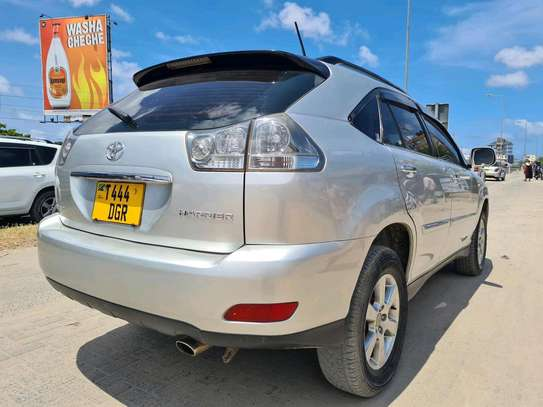 2005 Toyota Harrier image 7