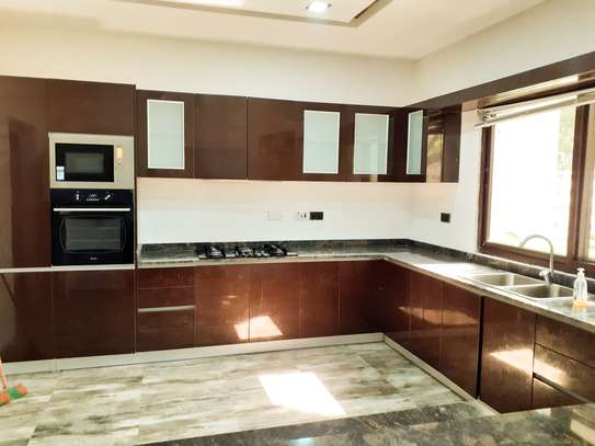 Specious 4 Bedrooms Townhouse In Masaki image 4
