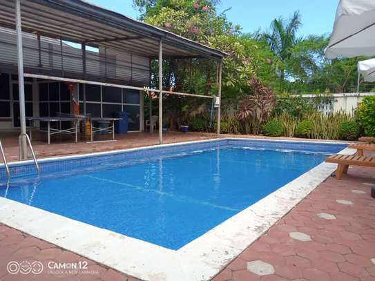 4 bed room brand new with pool for rent $3000pm at oyster bay dar image 3