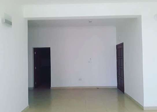 3 bedrooms apartment at Victoria image 2