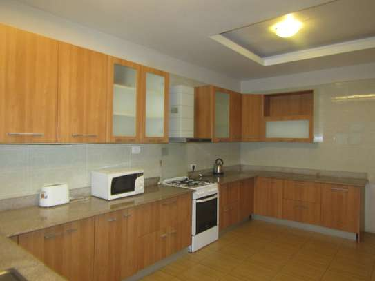 4 Bedrooms Luxury Apartments in Upanga City Center image 2