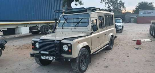 1999 Land Rover Defender image 1