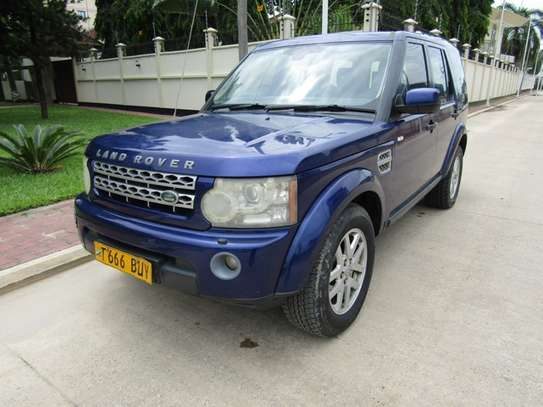 2010 Land Rover Discovery image 1
