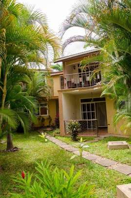 3 bed room town house for rent $800pm at mikocheni b tpdc image 2