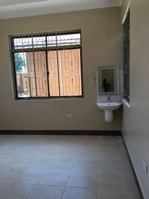 Beautiful 3 BEDROOMS MAISONETTES APARTMENTS FOR RENT IN MOROGORO image 4