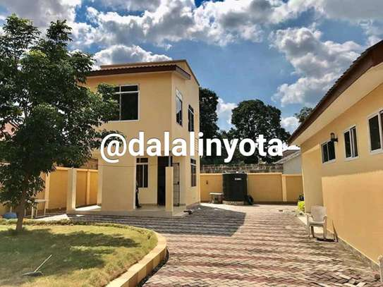4 BDRM HOUSE AT MBEZI BEACH AFRIKANA MBEZI YA CHINI image 3