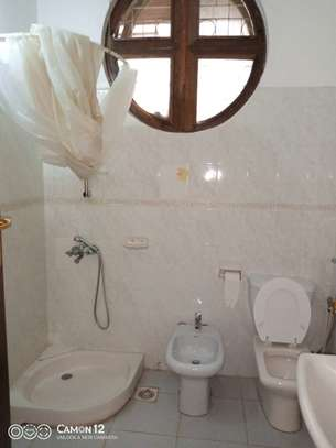 5bdrm house to let in masaki image 2