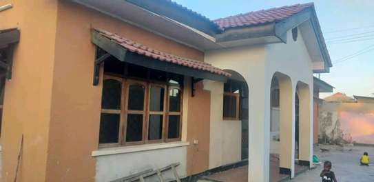 House for sale at makumbusho near bus stand image 13
