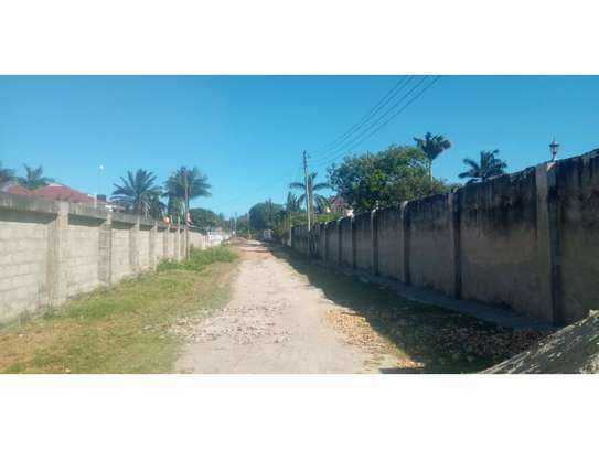 TWO houses forsale 3300sqm at mbezi beach  cheap price image 8