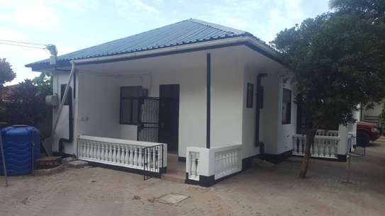 2 bed room house for rent in the compound at kijitonyama image 1