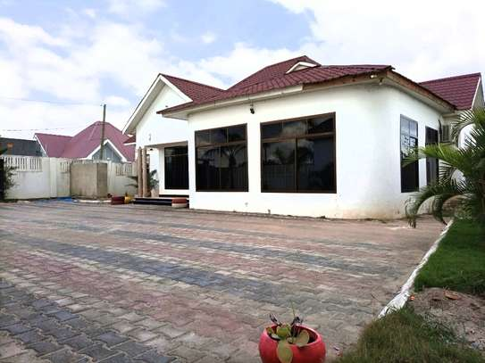3bedroom house  at madale image 9
