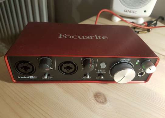 FOCUSRITE SOUND CARD