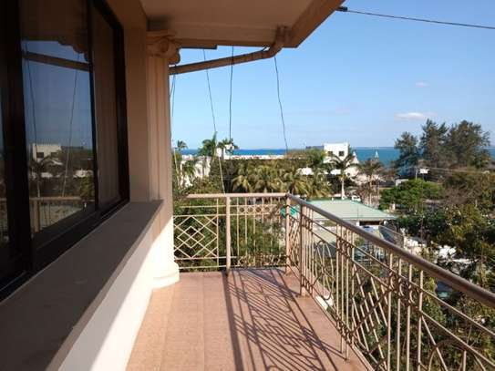 penthouse 2bed apartment at masaki $1000pm with fantastic sea view