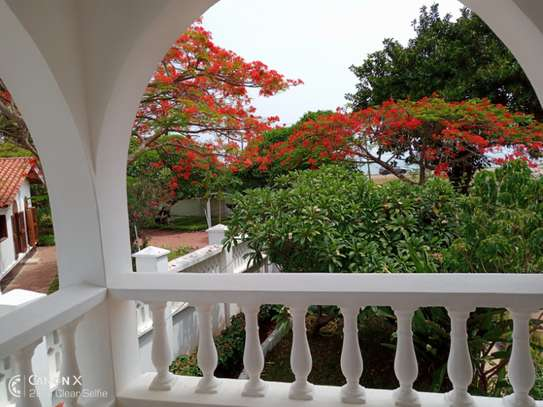 3bed house for sale at toure drive 1125sqm plot size facing the sea $2,5milion image 7
