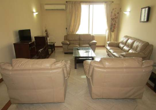2 Spacious Luxury Bedroom Full Furnished Apartments in City Center, Posta image 2