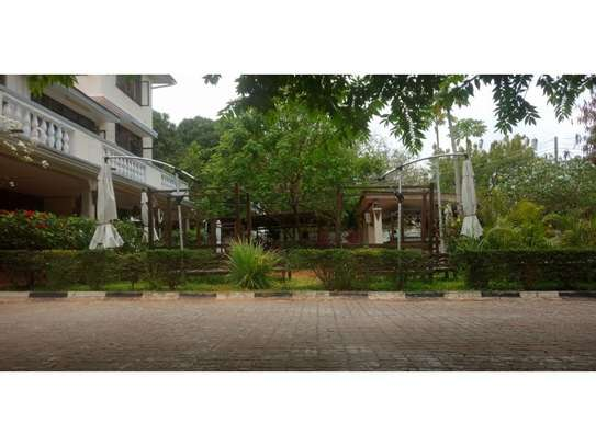 6bed house at masaki yatch club rd  i deal for restaurent or offce image 3