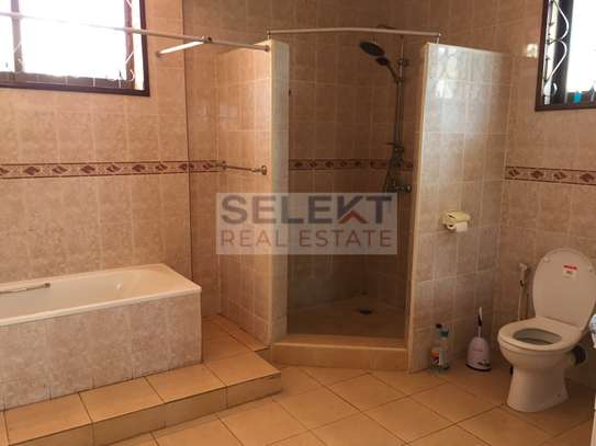 4 Bdrm Standalone Spacious House in Masaki image 9