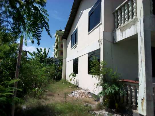 5bed house for sale at mikochen B TSH 500m image 4