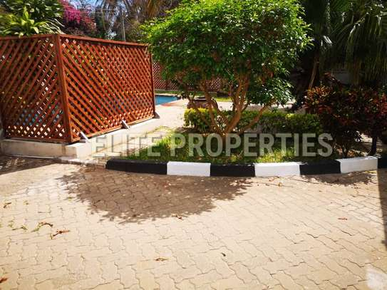 Elegant 4 bedroom stand alone for rent at Masaki image 6