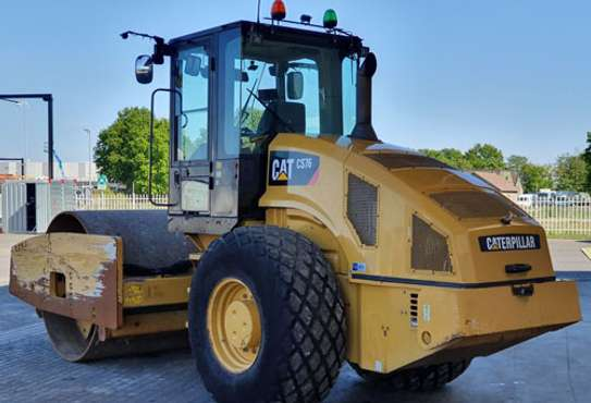 2008 Caterpillar CAT CS 76 ROLLER image 2