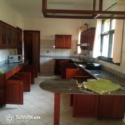 4bdrm house to let in masaki image 2