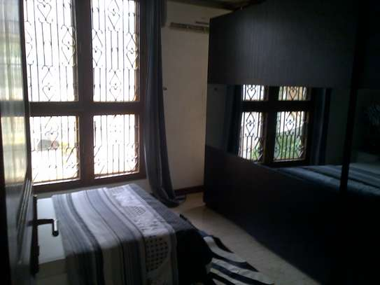 6Bedroom Double-storey Fully Furnished Bungalow for Rent in Upanga: image 3