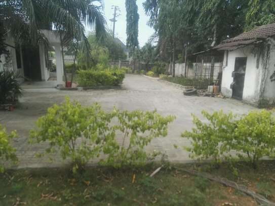 House for rent.5bedroom Office or living business etc. image 1