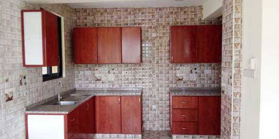 SPECIOUS 3 BEDROOMS SEMI FURNISHED FOR SALE AT KARIAKOO image 1