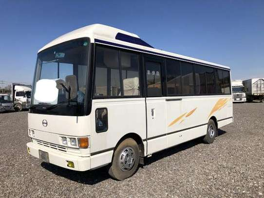 1988 Hino RAINBOW BUS 26SEATER TSHS 33MILLION ON THE ROAD image 2
