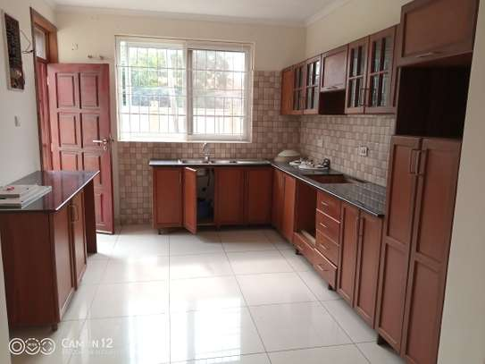 4bedroom Town House for rent in oyster bay image 12