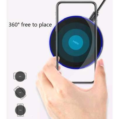 NIEN Wireless Charger - White image 5
