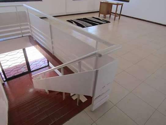 5 Bedrooms Bungalow House for Office / Commercial / Residential Uses in Masaki image 5