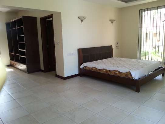 4 bedrooms Villa in Gated Compound In Oysterbay For Rent image 11