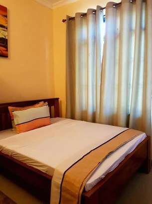 1 bed room house for rent  house is fully ferniture at mikocheni kwa warioba image 3