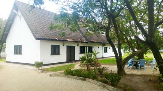 BEAUTIFUL MODERN HOUSE FOR RENT IN MSASANI image 2