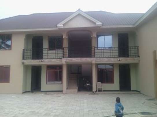 3BEDR.APARTMENT FOR RENT AT NJIRO BLOCK  C image 4