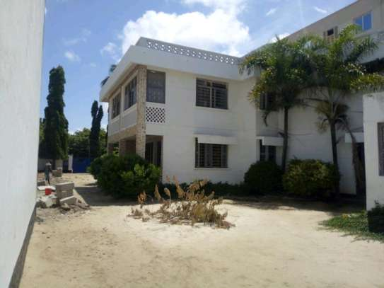8 Rooms house in Mikocheni near rose garden road, to let. image 3