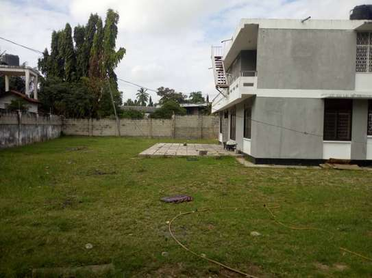 4bed house with big compound and small godown at ada estate image 7