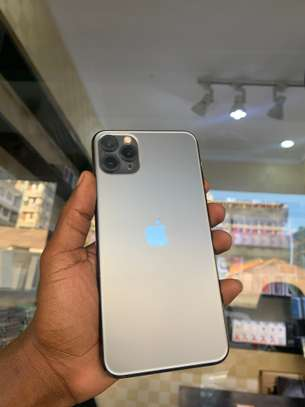 iPhone 11 Pro Max 256GB Spacegray for sale image 3
