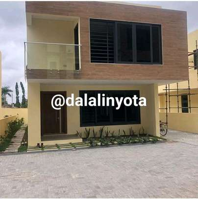 HOUSE FOR RENT VILLA image 10