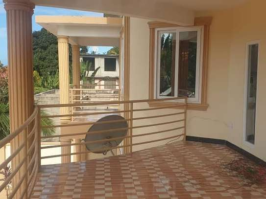 4 bed room house for rent at ununio image 2