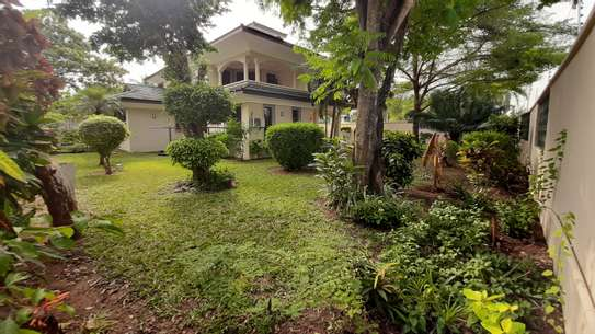 4 Bedrooms Plus Staff Room  House in A Compound For Rent In Oysterbay image 8