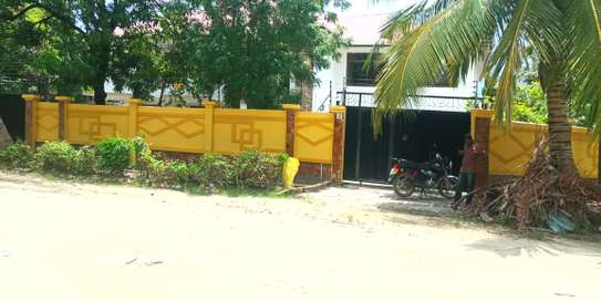 8bed house at Mikocheni $1500pm image 1