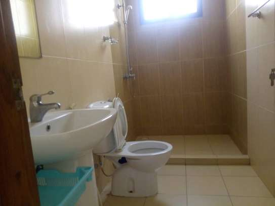 3bed apartment at upanga $900pm monthly image 6