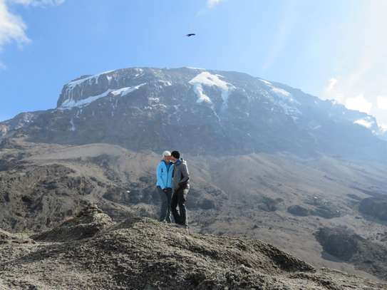 Climb Mount Kilimanjaro - 6 Days Machame route.
