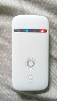 Vodacom 4G WiFi router image 3