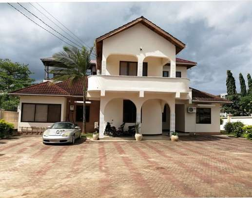 5bed house at mbezi beach 1000sqm image 3
