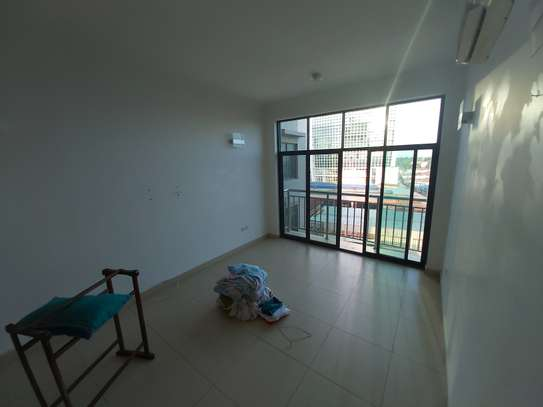 3 bedrooms apartment at victoria place image 8