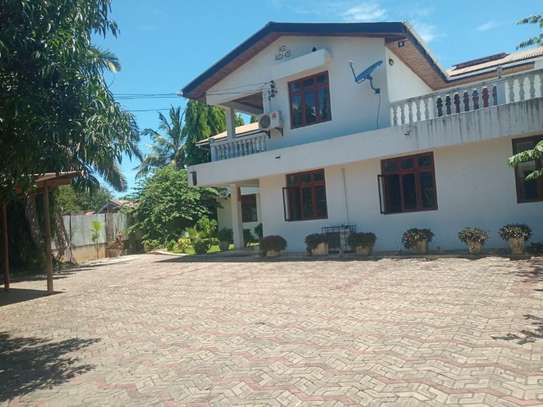 4bed  fully furnishedhouse at mbezi beach $1800pm image 4